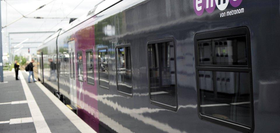 Aktuell ist der Bahnhof in Wolfsburg komplett gesperrt. Ein Enno war am Morgen entgleist. (Symbolbild)