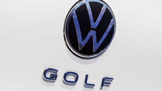 Der VW Golf wird noch immer gut verkauft – aber hat jetzt einen neuen Konkurrenten aus dem eigenen Hause...