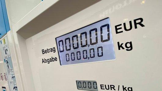 Diese Tankstelle in Braunschweig berechnet die Abgabe in Kilogramm statt in Litern - denn hier kommt weder Benzin noch Elektro aus dem Hahn. (Symbolbild)