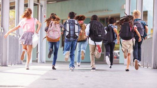 Die Termine für die Schulferien in Niedersachsen 2021 stehen fest – auffällig: Große Verschiebungen gibt es diesmal nicht. (Symbolbild)