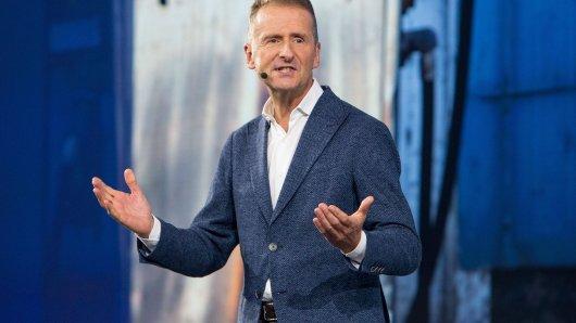 VW-Chef Diess sieht herkömmliche Autobauer deutlich im Nachteil. (Archivbild)