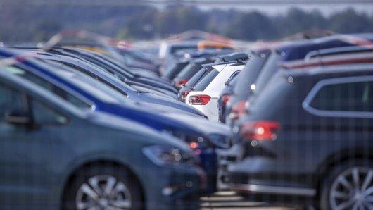 Weniger überraschend hat VW im Krisenjahr mit einem starken Rückgang im Verkauf zu kämpfen.