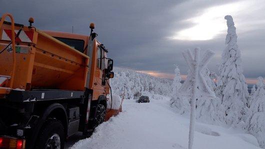 Harz: Um 4 Uhr startete die Räum-Aktion hoch zum Brocken...