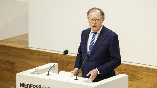 Stephan Weil gab am Freitag in einer Sondersitzung des Landtags bekannt, wie Corona am effektivsten bekämpft werden könne.