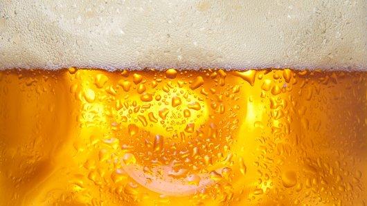 Die Brauer von Wolters aus Braunschweig bringen ein neues Bier raus – und spucken ganz schön große Töne... (Symbolbild)