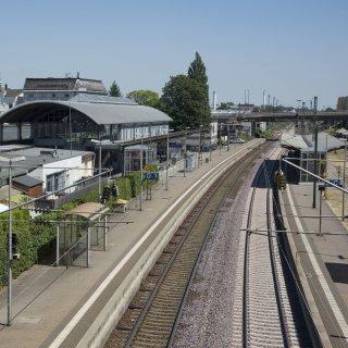 Am Bahnhof in Peine entschied sich ein Schwarzfahrer für eine gefährliche Aktion.