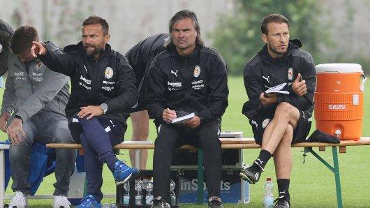 Gegen Dynamo Dresden konnte das Trainerteam um Michael Schiele (links) keine eigenen Tore notieren.