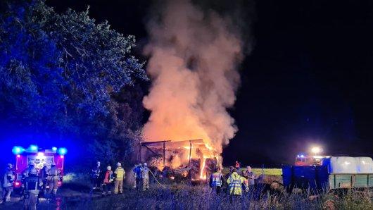 Zwischen Gifhorn und Isenbüttel hat es in der Nacht von Freitag auf Samstag gebrannt.