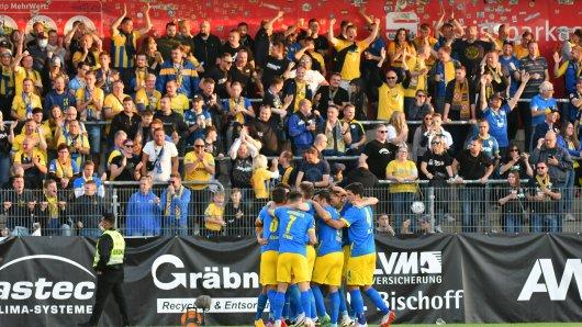 Eintracht Braunschweig war am Dienstagabend in Verl zu Gast.