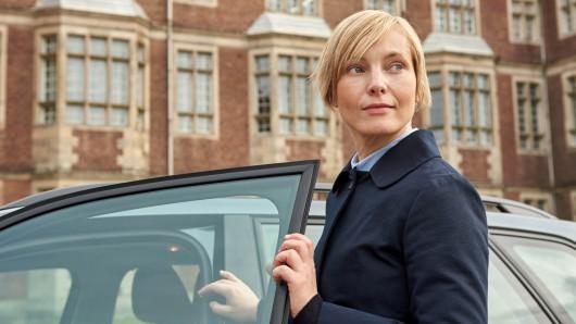 Nadja Uhl in ihrer Rolle als Isabell Mosbach (Nadja Uhl) im ZDF-Zeiteiler Tod im Internat.