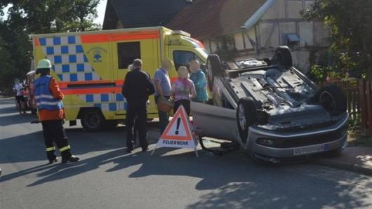 Die mutmaßliche Unfallverursacherin kam ins Krankenhaus.