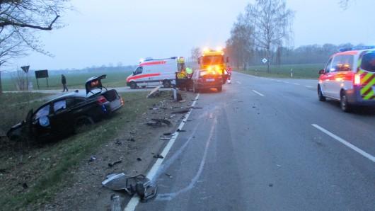 In Meinersen hat es einen schweren Unfall gegeben. Vier Menschen wurden schwer verletzt, zwei Autos komplett zerstört.