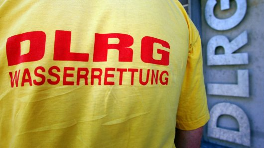 Auch weil Mitglieder der DLRG so schnell eingegriffen haben, konnte ein achtjähriges Mädchen gerettet werden (Symbolbild).