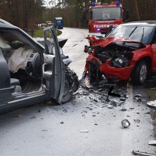 In Gifhorn ist es zu einem schweren Verkehrsunfall gekommen. Ersthelfern ist es zu verdanken, dass die Feuerwehr am Ende nicht mehr all zu viel zutun hatte.