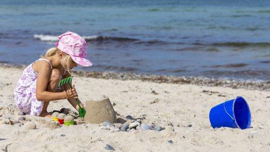 Das kleine Mädchen aus dem Kreis Gifhorn verschwand spurlos am Ostseestrand. (Symbolbild)
