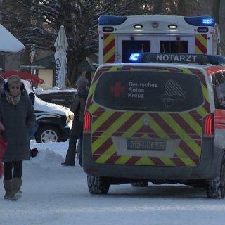 Gleich vier Menschen brachen durch das Eis des Tankumsees im Kreis Gifhorn.