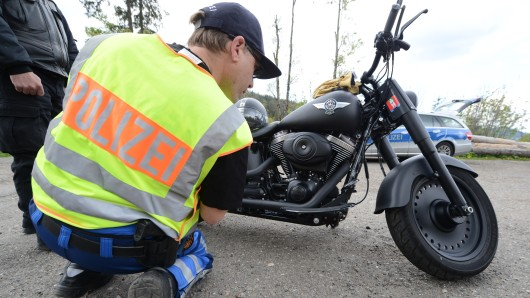 Die Polizei hat im Harz Motorräder kontrolliert (Archivbild).