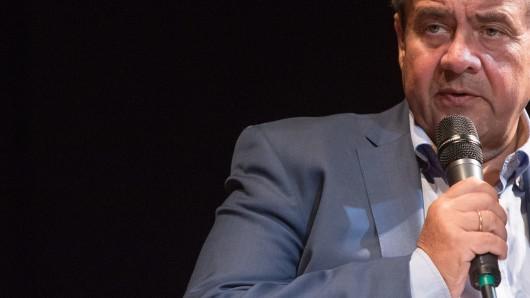 Sigmar Gabriel (SPD), ehemaliger Bundesaußenminister, bei der Vorstellung seines Buches Zeitenwende in der Weltpolitik. Mehr Verantwortung in ungewissen Zeiten.