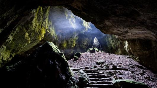 Höhlen bieten im Sommer eine gelungene Abkühlung. Hier die Einhornhöhle bei Herzberg.