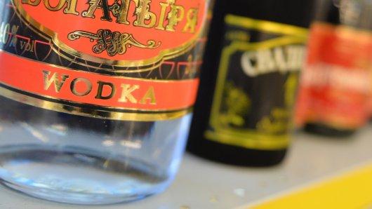 Eine Frau wollte in Goslar Wodka klauen. (Symbolbild)