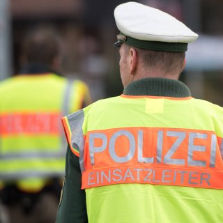 Die Polizei hat die Raststätte Harz-Ost für vier Stunden gesperrt. (Symbolbild)