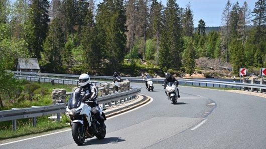 Der Harz ist für viele Motorradfahrer ein beliebter Ausflugsort. (Archivbild)