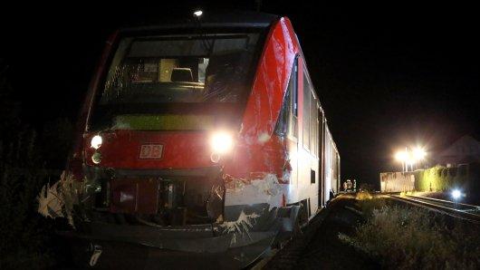 Im Landkreis Goslar sind ein Zug und ein Lkw kollidiert.