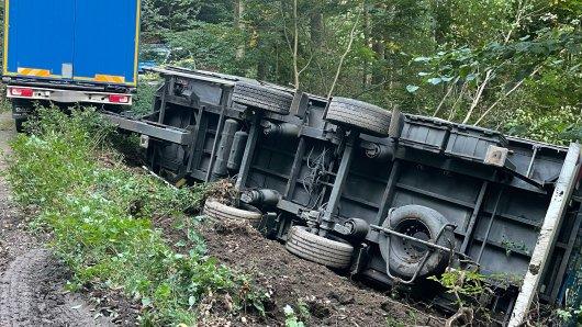 Ein Lkw-Fahrer ist im Harz seinem Navi gefolgt. Mit bitteren Folgen!