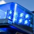 Ein Blaulicht auf dem Dach eines Einsatzfahrzeugs.
