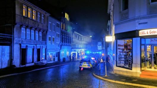 Die Feuerwehr war mit vier Einsatzwagen in der Kornstraße vor Ort.