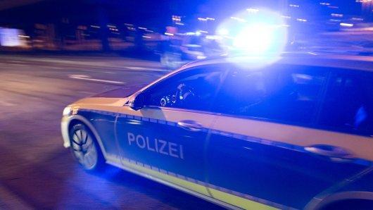 Im Harz hat die Polizei einen Mann kontrollieren wollen. Der gab stattdessen Vollgas! (Symbolbild)