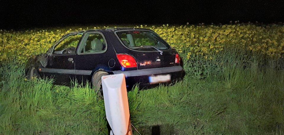 Ein Mann ist im Landkreis Helmstedt schwer verletzt worden. Dem Autofahrer wurde die Vorfahrt genommen.