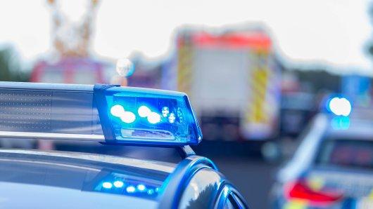 Am Freitagmorgen hat es einen Lkw-Unfall auf der A39 bei Cremlingen gegeben. Seitdem staut sich der Verkehr...  (Symbolbild)