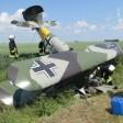 Das abgestürzte Ultraleichtflugzeug an der Unfallstelle. Der Pilot blieb unverletzt.