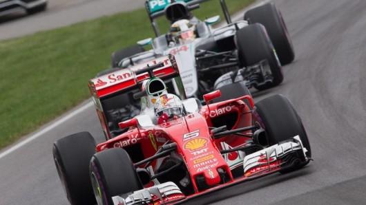 Nach einem perfekten Start setzte sich Sebastian Vettel an die Spitze. Doch dann gab's eine Reifenpanne taktischer Art.