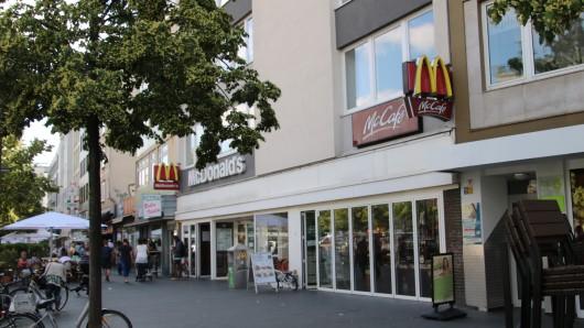 Die Filiale am Bohlweg. Einst war dort ein McDonalds. (Archivbild)