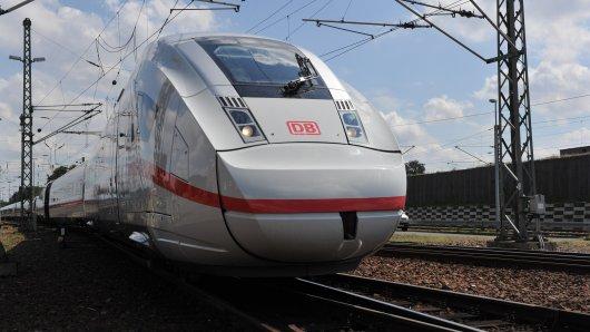 Ein ICE der Deutschen Bahn musste am Mittwoch in Celle evakuiert werden. (Symbolbild)