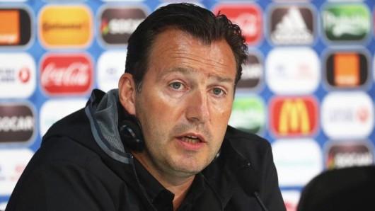 Die Belgier sind gegen Wales Favorit - Pressekonferenz mit Trainer Marc Wilmots.