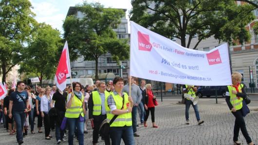 In Braunschweig wird damit gerechnet, dass rund 300 Bank-Angestellte in den Warnstreik treten (Archivbild).