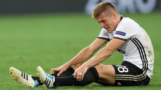 Gefrustet und enttäuscht: Toni Kroos am Boden.
