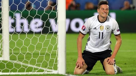 Nationalspieler Julian Draxler (hier im EM-Halbfinale gegen Frankreich): Bleibt er ein Wolfsburger?