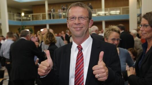 Klaus Mohrs, Oberbürgermeister von Wolfsburg, will mit Velstover Bürgern ins Gespräch kommen (Archivbild).