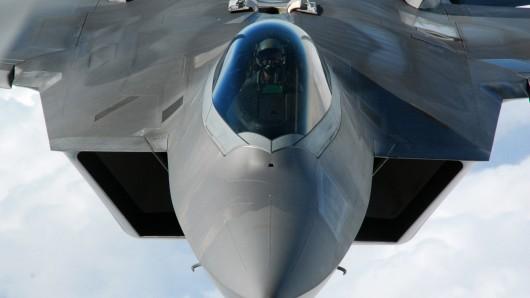 Die USA greifen Stellungen des IS in Lybien an. (Symbolbild)