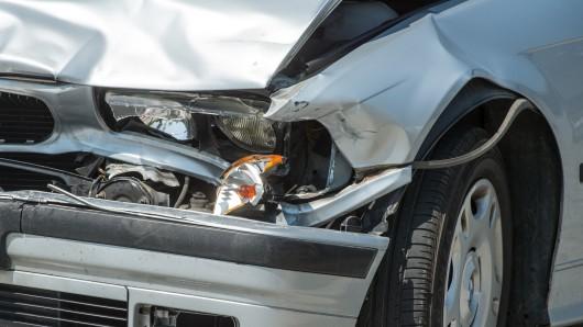 Die 27-jährige Hannoveranerin wurde bei dem Auffahrunfall mit Fahrerflucht schwer verletzt (Archivbild)