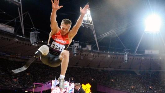 Der deutsche Weitspringer Markus Rehm bei den paralympischen Spielen 2012 in London.