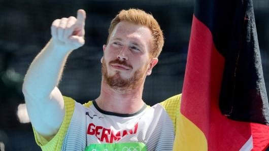 Christoph Harting hat's allen gezeigt: Der kleine Bruder des mit einem Hexenschuss ausgeschiedenen Werfer-Stars Robert Harting hat Gold im Diskuswurf geholt.