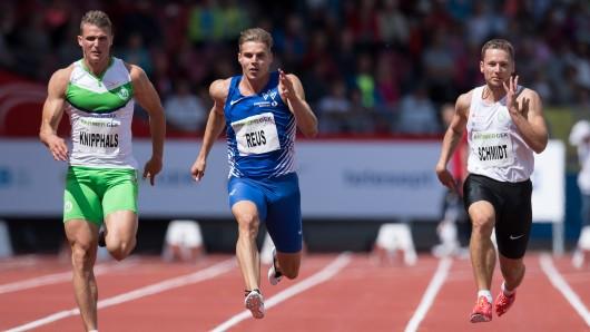 Deutsche Leichtathletik-Meisterschaften am 18. Juni 2016 im Auestadion in Kassel (Hessen). Sven Knipphals (l-r), Julian Reus und Roy Schmidt laufen im Finale über 100m.
