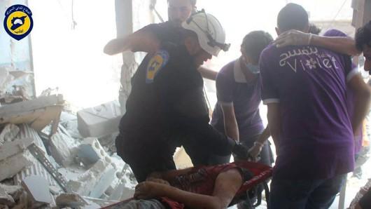 Luftangriffe haben am Samstag zahlreiche Tote und Verletzte gefordert - hier ein Foto aus Idlib.