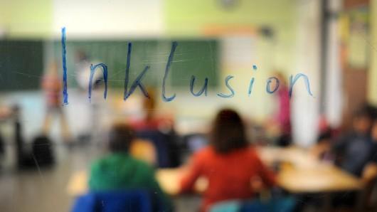 Schüler in der Inklusions-Klasse (Symbolbild)