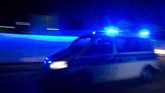 Beamte der Polizei Wolfsburg konnten den mutmaßlichen Schützen kurz nach der Tat stellen (Symbolbild).